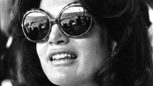 0dd3cd8993f8a Óculos  necessidade ou moda  – Interview Ótica